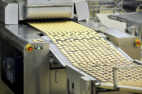 Germany, Food Industry, Cookie production in industrial bakery - SCH000091