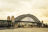 Australia, Sydney, view to Harbour bridge - FBF000289
