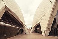 Australia, Sydney, terrace of Sydney Opera - FB000271
