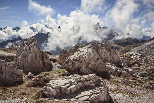 Italy, Dolomite Alps, clouds at Tre Cime di Lavaredo - VTF000165