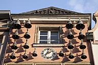 Germany, North Rhine-Westphalia, Duesseldorf, Glockenspiel House - WIF000475
