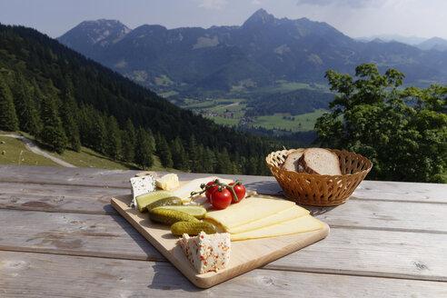 Germany, Upper Bavaria, Bavaria, Mangfall Mountains, Bayerischzell, Cheese Platter - SIEF005152