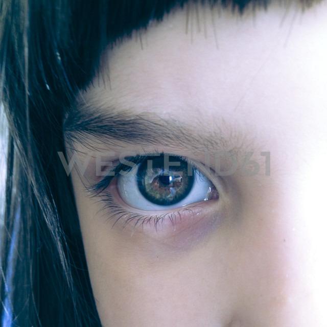Eye of a girl - LVF000828 - Larissa Veronesi/Westend61