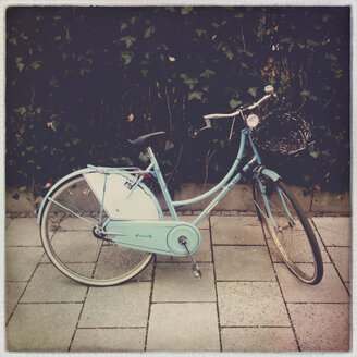 Blue bike, Munich, Bavaria, Germany - GS000819