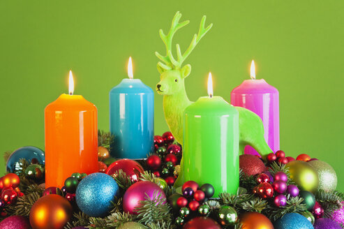 Advent wreath, coloured candles, deer figure - GWF002826