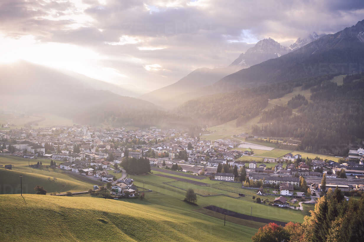 Italy, South Tyrol, Puster Valley, Innichen in the morning - VTF000169 - Val Thoermer/Westend61