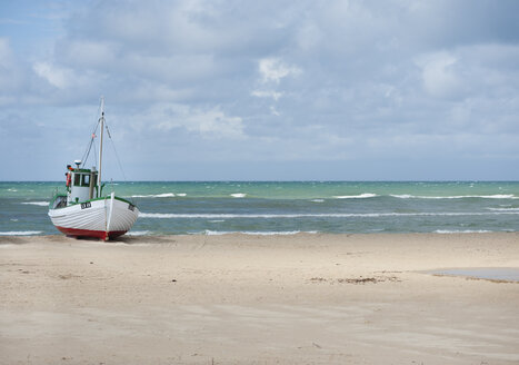 Denmark, Jutland, Lokken, fishing boat at Lokken beach - JB000077