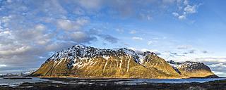 coastline of gimsøy, Lofoten, Norway - STSF000346