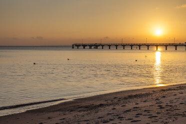 Germany, Timmendorfer Strand, Baltic Sea with sea bridge - SR000399
