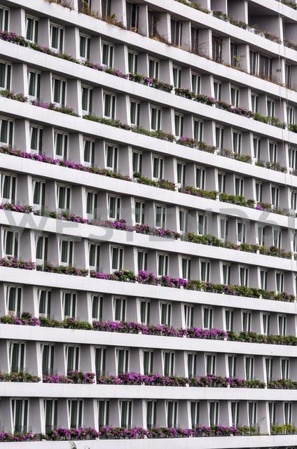 Singapore, part of facade of hotel at Marina Bay - THAF000177