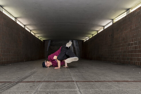 Germany, portrait of young break dancer in underpass - STS000378
