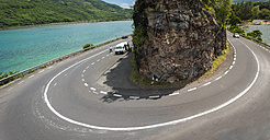 Mauritius, Baie du Cap, view to coast road with curve - DIS000681