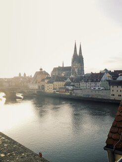View from the stone bridge over the Danube and the city of Regensburg, Bavaria, Germany - MSF003593