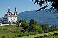 Slowenia, Zuzemberk, view to parish church - LVF000991