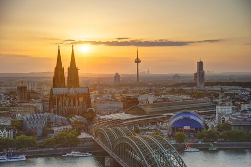 Germany, North Rhine-Westphalia, Cologne, city view with Cologne Cathedral and Colonius at evening twilight - PAF000580