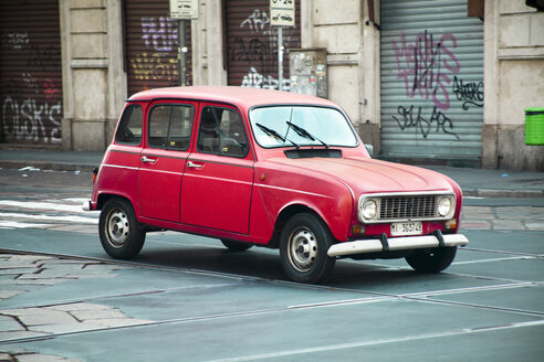 Italy, Monza, red Renault 4 on the road - CvK000030