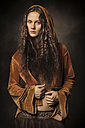 Portrait of woman in old-fashioned clothes - CvK000047