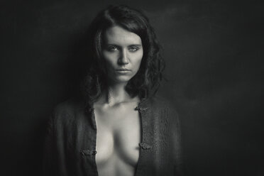 Portrait of woman with dark hair - CvK000058