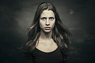 Portrait of a young woman - CvK000111