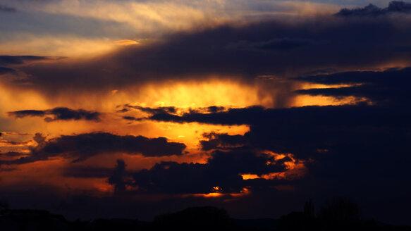 Germany, North Rhine-Westphalia, Minden, Ostwestfalen-Lippe, Sunset - HOHF000684