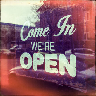 Germany, Baden-Wuerttemberg, Stuttgart, Sign, Come In, We're open, shop, shopping, opening times - WDF002457