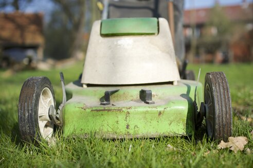 Germany, Petershagen, Lawn mower, close up - HAWF000086