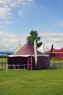 Sweden, Taellberg, Red circus tent at Lake Siljan - BR000289