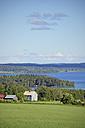 Sweden, Brunflo, Houses by the lakeside at Locknesjoen - BR000380