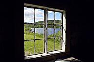 Sweden, Vilhelmina, View through window to lake Kultsjoen - BR000470