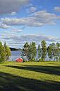 Sweden, Storuman, House at lake Skarvsjoen - BR000457