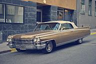Sweden, Stockholm, Classic car at the roadside - BR000357
