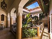 Morocco, Marrakesh-Tensift-El Haouz, Marrakesh, Courtyard of a mansion - AM002125