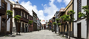 Spain, Canary Islands, Gran Canaria, Teror, Calle de la Escuela - AM002144