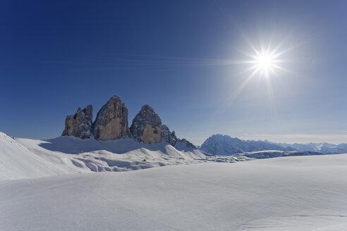 Italy, Alto Adige, Sexten Dolomites, Hochpuster Valley, Tre Cime di Lavaredo against the sun - GFF000454