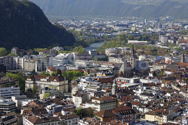 Italy, South Tyrol, Trentino-Alto Adige, Bolzano, Cityscape - GFF000445