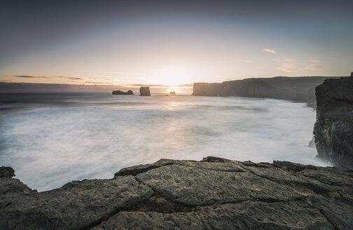Iceland, Cliff near Dyrholaey - STCF000024
