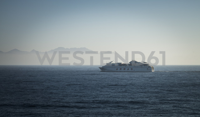 Spain, Canary Islands, Gran Canaria, Ferry coming from Teneriffe - STC000044