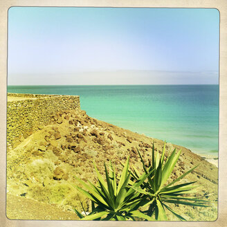 Overlooking the Atlantic Ocean, Fuerteventura, Spain - DRF000649