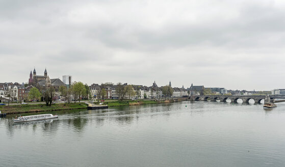 Netherlands, Maastricht, Servatius bridge and Meuse river - HLF000464