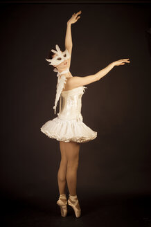 Young ballerina in angel costume and mask - FBF000369