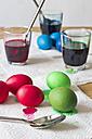 Dyeing Easter eggs - YFF000103