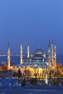 Turkey, Istanbul, Blue Mosque at dusk - SIEF005299