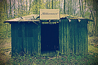 Run down shelter in the woods - HOHF000724