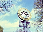 Roadsign bicycle, Munich, Olympic Park, Germany - RIM000267