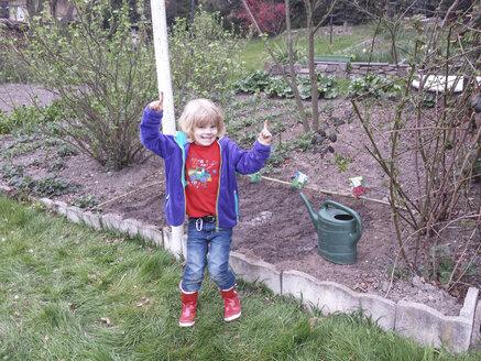 Garden, seeds, sow, herbs, bedding, spring, Saxony, Germany - MJF001066
