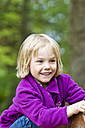 Portrait of smiling little girl - JFEF000345