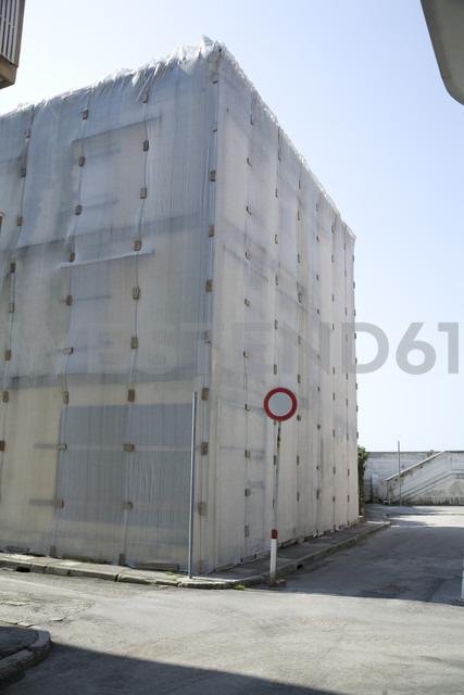 Italy, Friuli-Venezia Giulia, Grado, Building site, House under construction - DISF000822