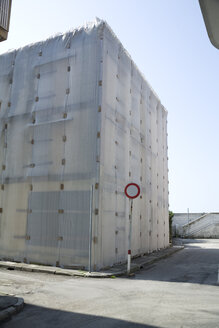 Italy, Friuli-Venezia Giulia, Grado, Building site, House under construction - DISF000822