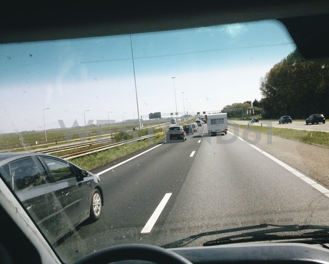 The Netherlands, Utrecht, near Baarn, Busy freeway during the Easter weekend, - HAWF000146