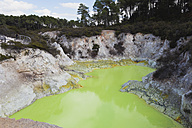 New Zealand, Rotorua, Wai-O-Tapu Thermal Wonderland, Devil's Bath - GW002846